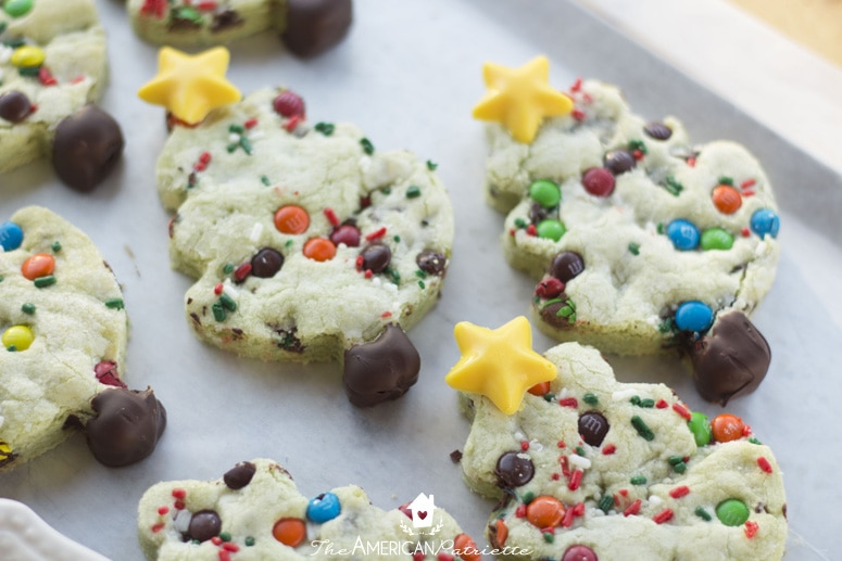 Chocolate Chip Pistachio Christmas Tree Cookies - the perfect Christmas cookies for Santa!