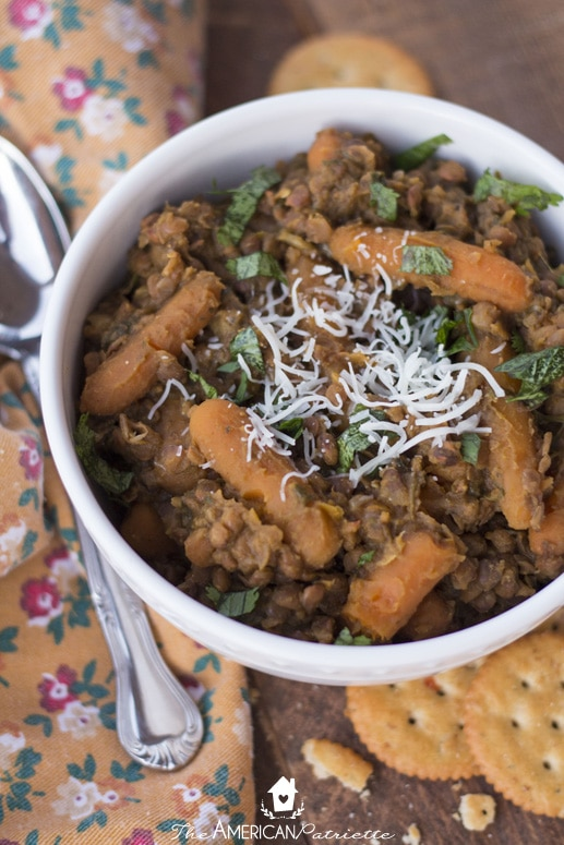 No Prep Spinach and Pumpkin Lentil Soup - Easy and Healthy Slow Cooker Recipe for a Simple Weeknight Supper!