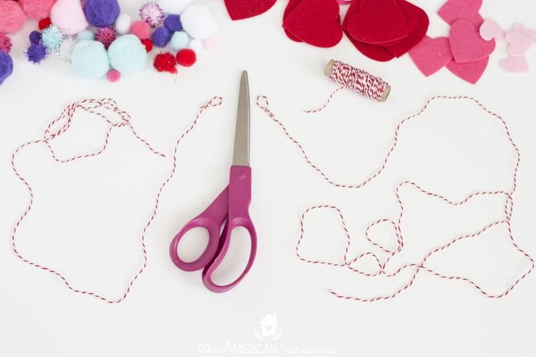 10 Minute DIY Pom Pom and Heart Valentine Banner
