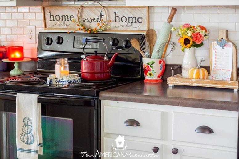 Colorful Rustic Farmhouse Fall Decor Ideas The American Patriette